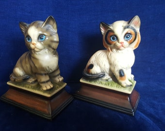 Pair of vintage ceramic cats from Japan