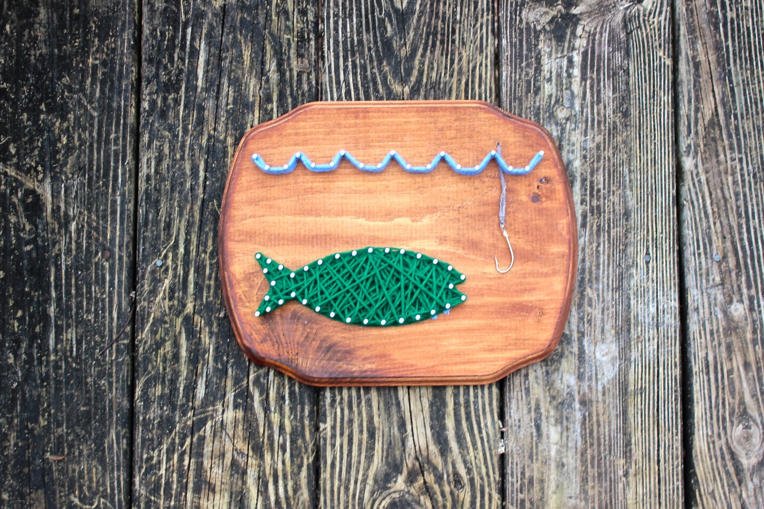 Gone fishing nail and string art wall decor for Fish string art