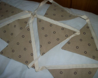 Rustic linen/cotton bunting. Natural linen colour and Mocha daisies. Same fabric both sides.