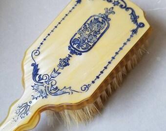 1920's / 1930's Dupont Art Deco  Bakelite/ Art Nuevoue Lucite Hair Brush