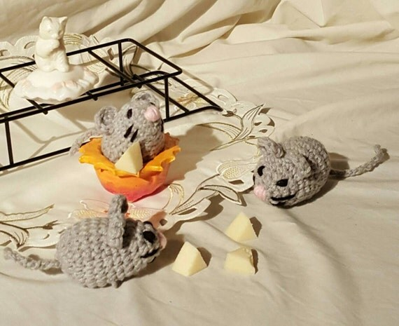 Amigurumi Mouse Cat Toy : Crochet Cat Toy Plush Mouse Amigurumi Mouse Catnip Mouse