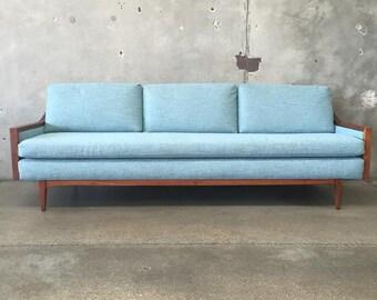 Mid Century Danish Modern Sofa (7JUQ1L)