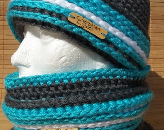 2 in 1 turn hat or toque woman or girl because A the hand gray, Turquoise and white