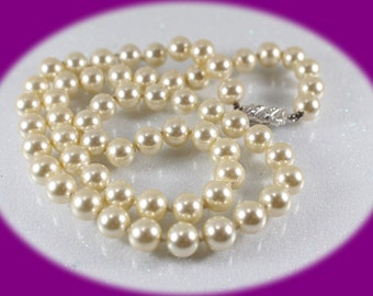 Vintage Pearl Necklace Vintage Single Strand Pearl Necklace vintage Jewelry