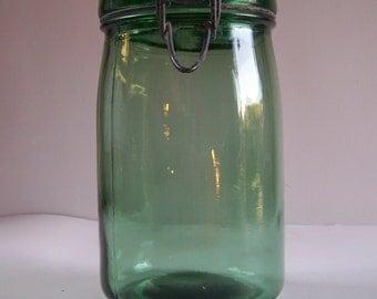 High green glass jar Solidex vintage engraved lid 34 US fl oz Made in France