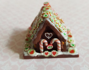 Miniature gingerbread house in one inch scale. Polymer clay cake for dollhouse, Christmas,  holiday, seasonal dolls house gingerbread cake
