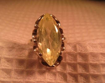 Unique Sterling Silver Lime Green Gemstone Ring - 6.5