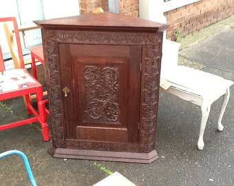 Victorian mahogany corner cupboard