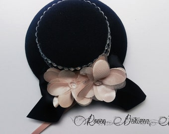 Burlesque/Pin Up Mini Hat