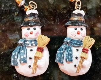 Snowman Pierced Dangle Earrings