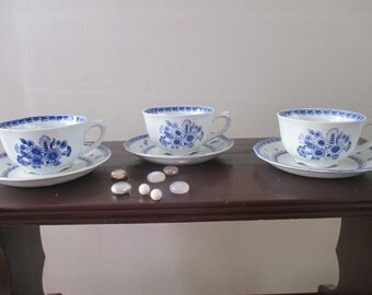 Arabia of Finland Finn Flower Blue Footed cup and saucer set