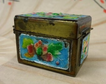 Chinese Brass Enamel Trinket Box // Stamp Box // Champleve