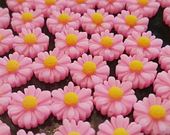 12mm Pink Daisy Resin Flower Cabochon