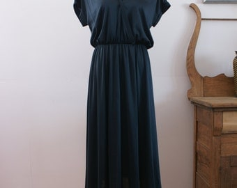 Vintage 70s Black V Neck Polyester Disco Dress by Lori Ann Made in Canada Size Large - BT-184