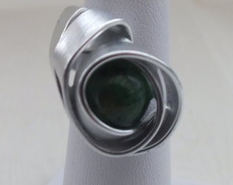 Green Quartz Ring with silver Flat Wire