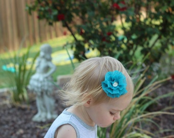 Toddler hair clip with flower, baby girl hair clip, no slip grip clip for toddlers and babies,