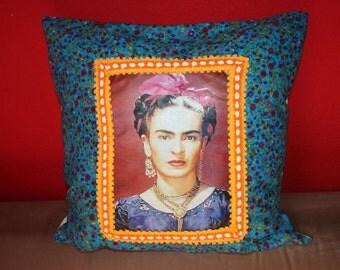 Viva la Frida parade pillow