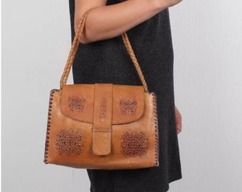Vintage bohemian tooled leather bag in tan