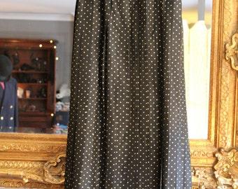 Beautiful Vintage Black Floor Length Skirt. Size Small