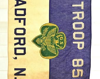 Girl Scouts Flag ~ Bradford, NH Troop 85 ~ Purple Flag with Vintage Pole ~ Annin & Co., Verona, NJ