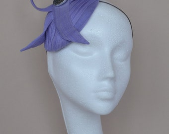 Small lilac silk hat.  Lilac fascinator. Lilac wedding hat. Purple silk hat.Handmade silk hat. Derby hat. Ascot hat. Garden party hat.