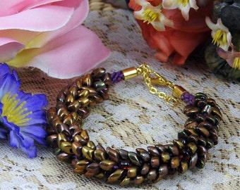 Bracelet Kumihimo en perles Magatama longues Irisées