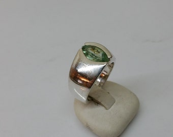 Beautiful crystal ring 925 Silver ring vintage SR147