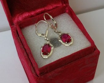 Old, nostalgic earrings with Ruby 925 SO169