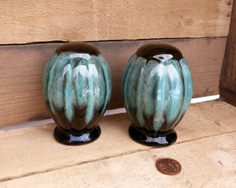 Evangeline Salt and Pepper shakers, Evangeline  Ware, Canada,, Canuck Pottery, Green drip glaze, shakers