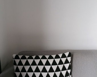 Pillow case black and white triangle