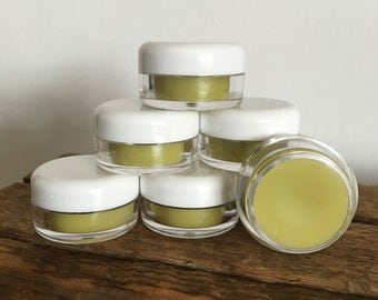 All-Natural Lip Balm | Unflavoured | Moisturizing & Soothing | Organic ingredients | Hemp and Essential Oils | Beeswax | Gift Idea