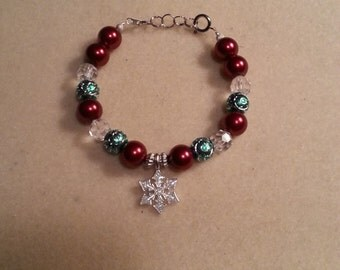 DISCOUNT Holiday Charm Bracelet with Snowflake, Christmas Jewelry, Charm Bracelets, Holiday Jewelry, Red, Green, Crystal, Snow, Bracelets
