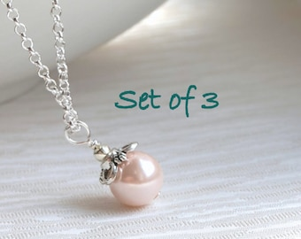 Set of 3 Blush Necklaces, Set of Three Bridesmaid Necklaces, Bridesmaid Gifts 3 Necklaces, Blush Pearl Jewelry, Wedding Party Gifts Jewelry