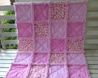 Pink Daisy Baby Girl Rag Quilt