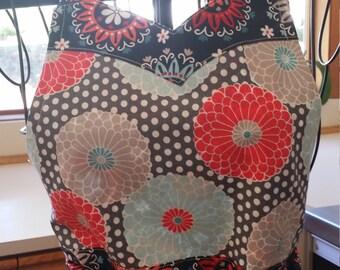 Sweetheart neckline apron