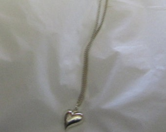 Necklace silver tone heart