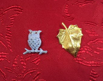 Blue Owl and Leaf Brooch 2pc