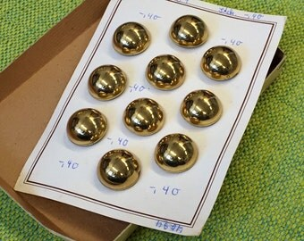 Card with 10 vintage buttons button card