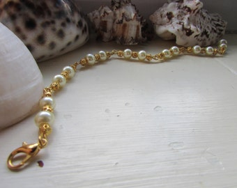 Ivory and gold bracelet , Glass pearl bead bracelet , Gold plated bracelet , Beaded bracelet , Lobster clasp bracelet , Gifts for her