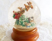 Vintage Snow Globe, Santa Musical Globe, Lighted Water Globe, Traditions Santa Globe, Wood Base, 5.9 across, Christmas Decor, Taiwan, Retro