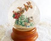 Vintage Snow Globe, Santa Musical Globe, Lighted Water Globe, Traditions Santa Globe, Wood Base, 5.9 across, Christmas Decor, Taiwan, Retro