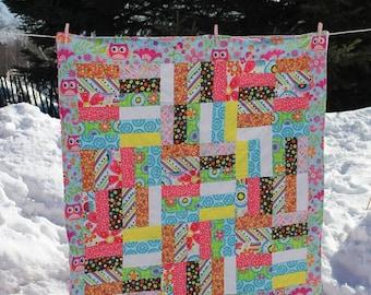 Baby Blanket, Baby Quilt, Baby Girl, Strip Quilt, Owl Border
