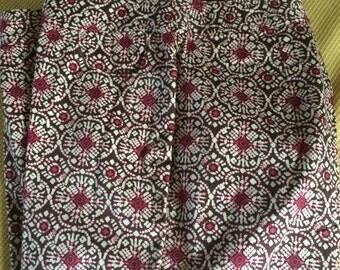 STYLE COMPANY label designer woman's Capri pants, size 12, cotton blend, stretch, fabulous geometric pattern