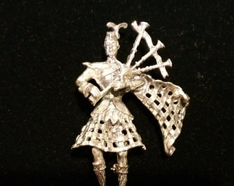 Vintage Sterling Silver Scottish Bagpipe Player Brooch Pin