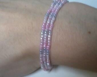 Beaded stretch bracelet, light purple