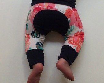 """Pants """"Grow with me"""" floral"""