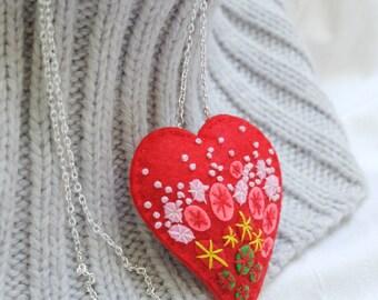 Red Heart Necklace.Felt necklace.Heart necklace.Felt heart.Embroidered necklace.Valentine necklace.Felt Embroidery.Mothers Day gift.Mum gift
