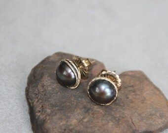 10mm Freshwater black pearl stud earrings. 14K gold filled wire, post and earnuts. Black pearls. Stud earrings. Mother's day.