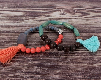 Strap elastic ball wood and turquoise and coral-colored glasses