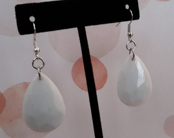 White Teardrop Earrings (Medium)